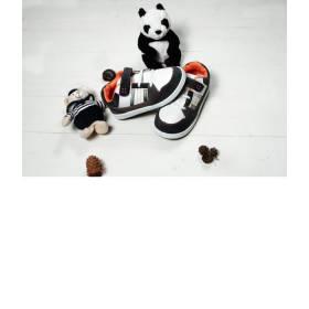 Adidasi baietei - prindere cu arici