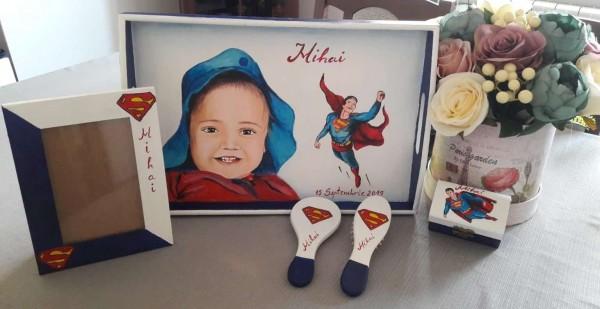 seturi turta personalizate bebelusi superman